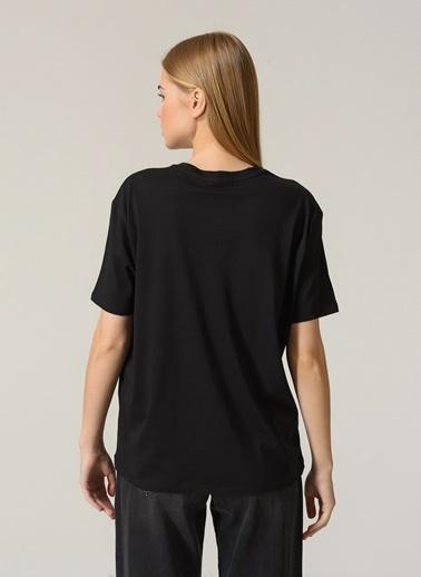 People By Fabrika Kadın Baskılı  Tişört PFKSS21TS0089 Siyah